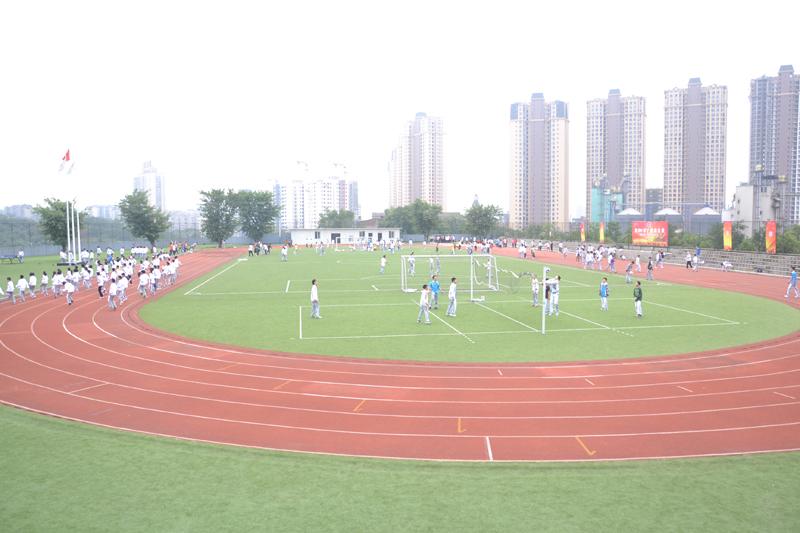 重庆八中 撰稿人:重庆八中 摄影:          重庆八中宏帆初级中学校