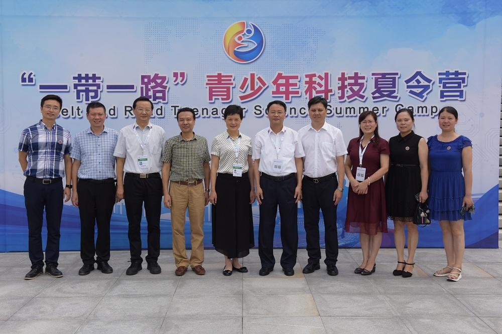 7——中国科协青少年科技中心副主任张振威来我校指导教学工作.JPG